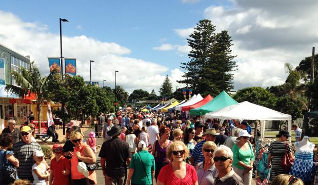 Image showing a local event - the Orewa Beach Boulevard Arts Fiesta