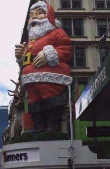 creepy-santa-e1510622954350.jpg